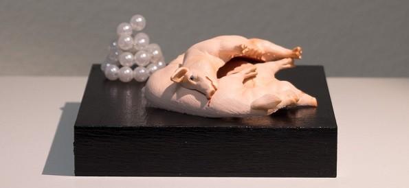 Nr48 Schweine vor die Perlen geworfen - kunst & wach
